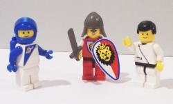 Image:LEGO minifigs jpg - Wikipedia, the free encyclopedia
